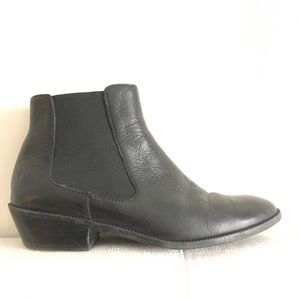 14th & Union Black Leather Chelsea Wooster Boots